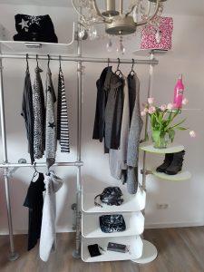 Ladeneinrichtung Warenpräsenter Textil Mode Geschäft