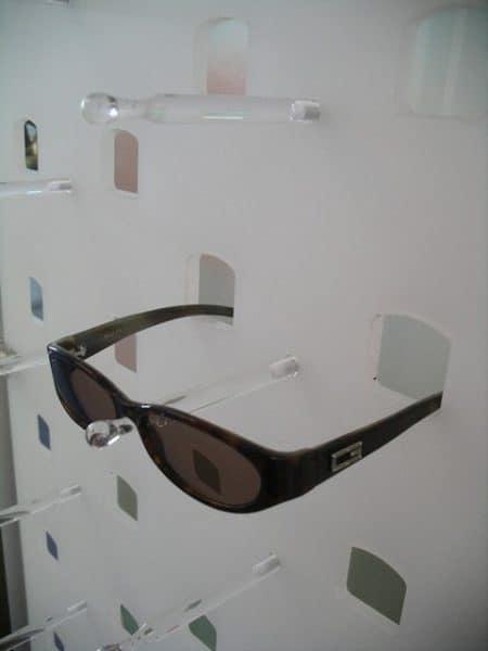brillen halterung acrylglas ladeneinrichtungen. Black Bedroom Furniture Sets. Home Design Ideas
