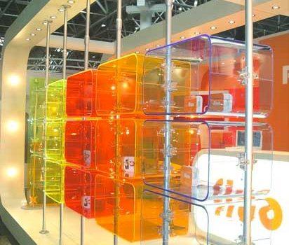 Ladeneinrichtung Popup Stores Acrylglas Cubes mit Teleskopstangen