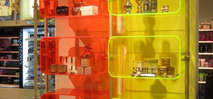 Ladeneinrichtung Regale modernes Regalsystem Acrylglas