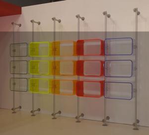 Ladeneinrichtung mit Acrylglas U-Schalen Cubes