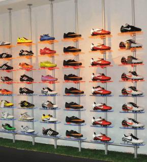 Schuhpräsentation im Einzelhandel
