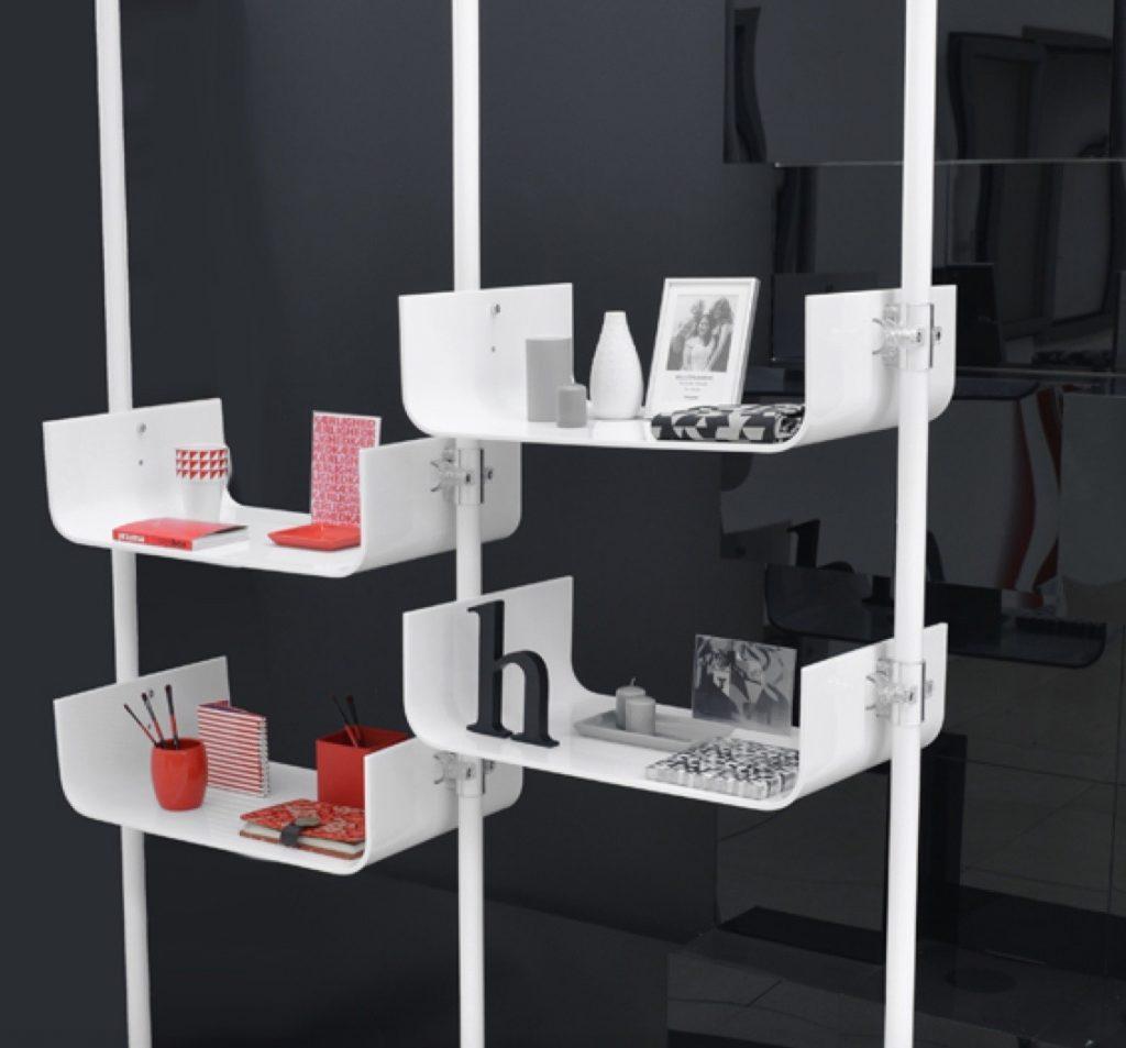 Präsentationsständer für einen perfekten Messeauftritt mit weißen Acrylglas Elementen