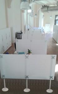 Stellwände für Callcenter, Büro oder Mensa, 1,50 m Höhe, weiss-gefrostet