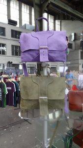 Taschenständer Taschenpräsenter Messestand