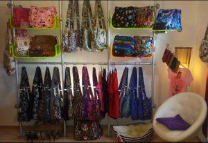 Ladenbau Taschen Taschenständer Acrylglas