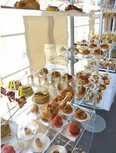 Acrylglas Warenpräsenter für Backwaren und Snacks