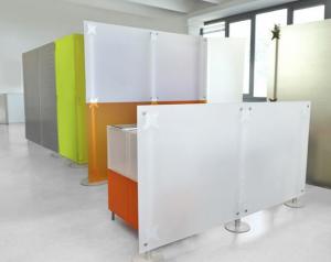 Schallabsorbierende Stellwände Acrylglas orange-weiss