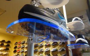 Schuhpräsenter Ladeneinrichtung Schuhgeschäft
