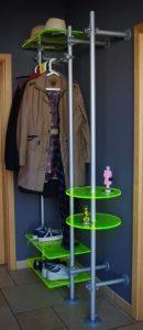 Garderobe Arztpraxis festinstalliert mit Acrylglas Elementen Praxiseinrichtungen