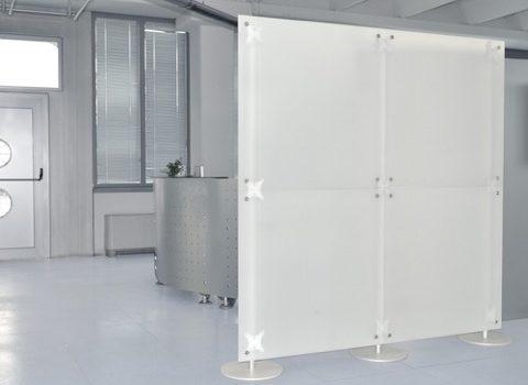 Büro Sichtschutz Stellwand in weiss-gefrostet 2 x 2 m