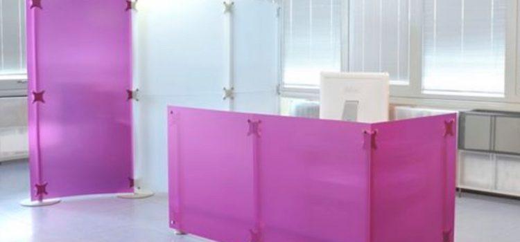 Schreibtisch Sichtschutz im Büro oder Callcenter
