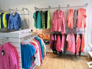 Ladeneinrichtung Sportgeschäft Sportbekleidung Präsentation