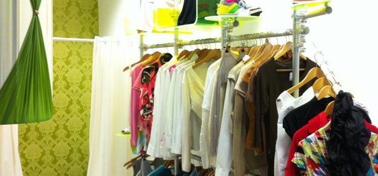 Regalsystem Kleidung