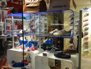 Ladeneinrichtung Sportmode Textil Schuhe