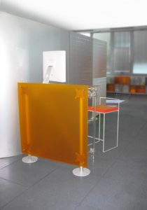 Stellwand Büro Acrylglas Trennwand orange-gefrostet