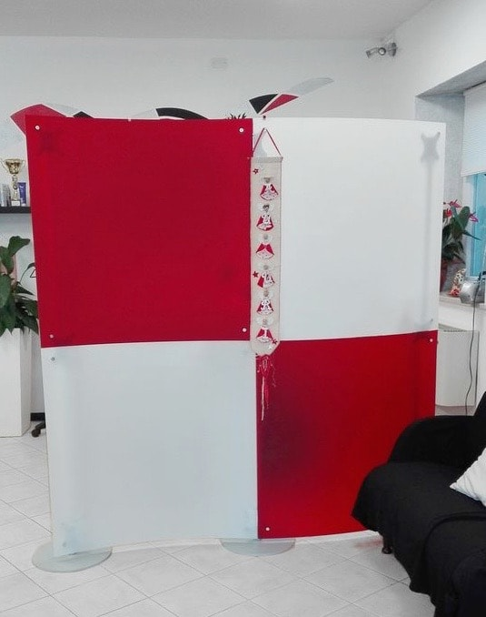 Trennwand Massagepraxis rot-weiss für Physiotherapie Praxis