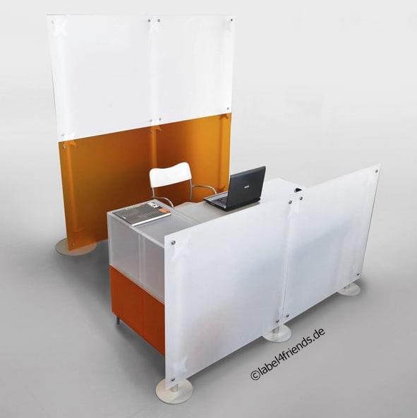 Büro Stellwände freistehend + mobil in weiss- und orange Milchglas
