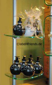 Ladeneinrichtung Kosmetik - Drogeriebedarf mit Schuhablagen