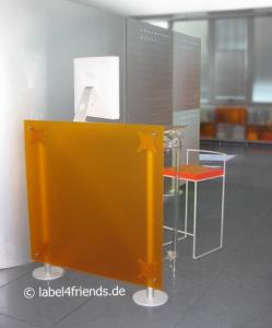 Mobile Trennwand Indrustrie für den Schreibtisch Arbeitsplatz im Lager