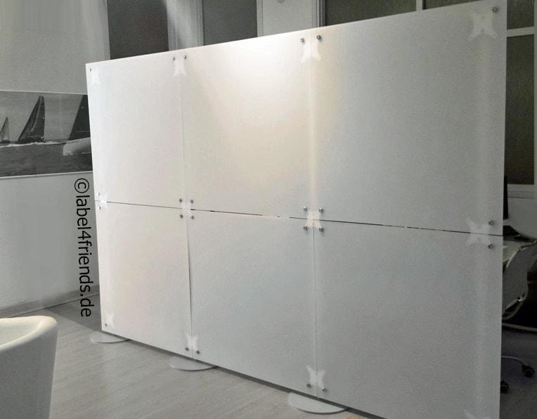 Klinik Trennwand freistehend weiss-gefrostet - Milchglas